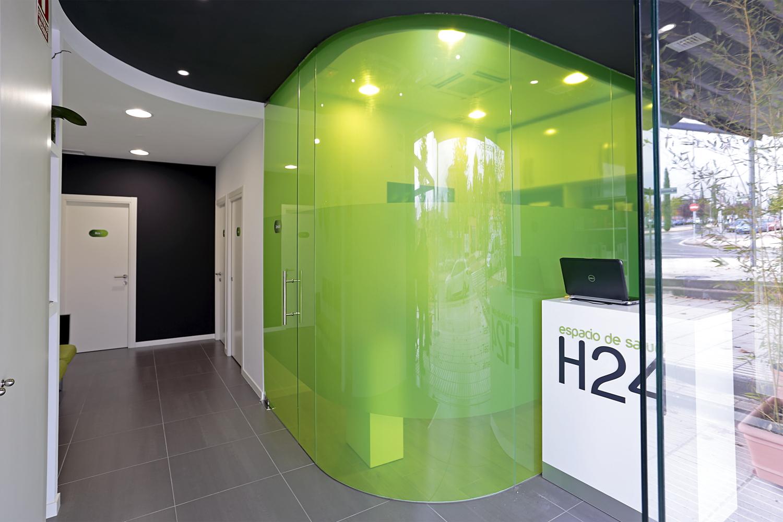Farmacia h24 ht arquitectos - Decoracion de gimnasios ...